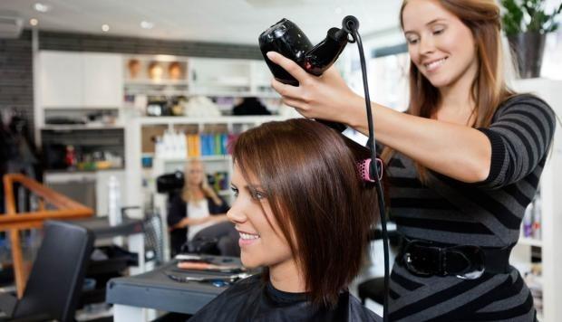 se busca peluquera estilista