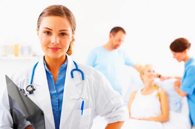 Socilitamos enfermera o auxiliar de enfermeria