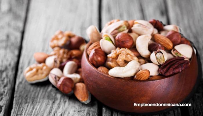 Beneficios para el corazón que debes conocer sobre los frutos secos